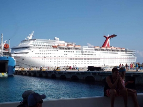 I wish to go on a cruise
